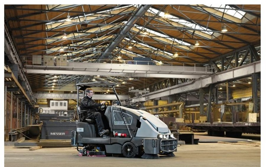 CS7010 Combination Sweeper / Scrubber-Dryer - In Action